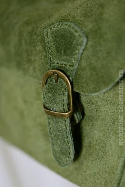 petit sac cartable kaki clair matière croûte cuir