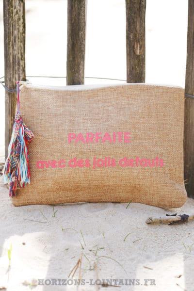 Pochette de plage en toile de jute, message rose parfaite avec des jolis défauts