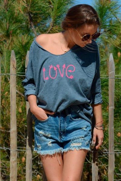 tee shirt gris message love rose manches longues idées tenues