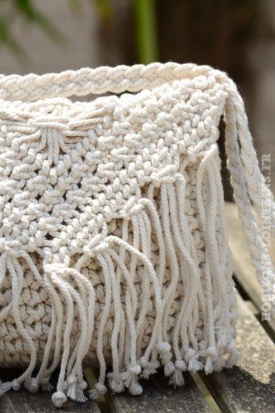 B042-pochette-crochet-ecru