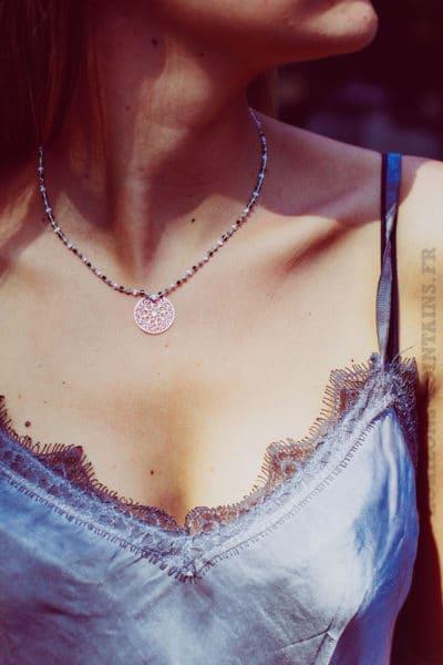 Collier-chaine-argent--perles-noires-blanches-et-grises-et-medaillon-argent-b88