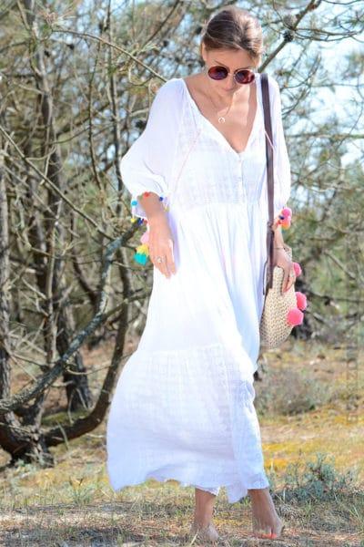 Robe-longue-blanche-voile-de-coton-doublé,-pompons-couleurs-b22-6