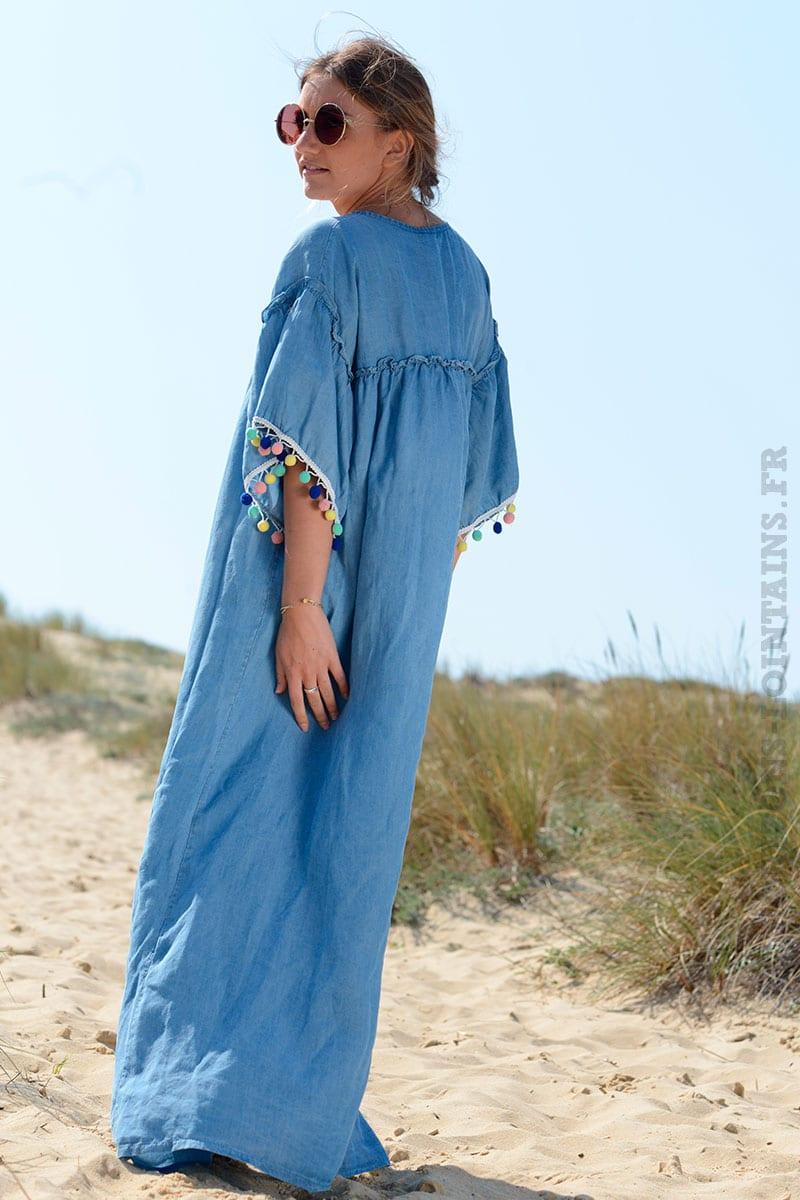 829e2ebd361f Robe longue bleu jean fluide avec pompons - Horizons Lointains