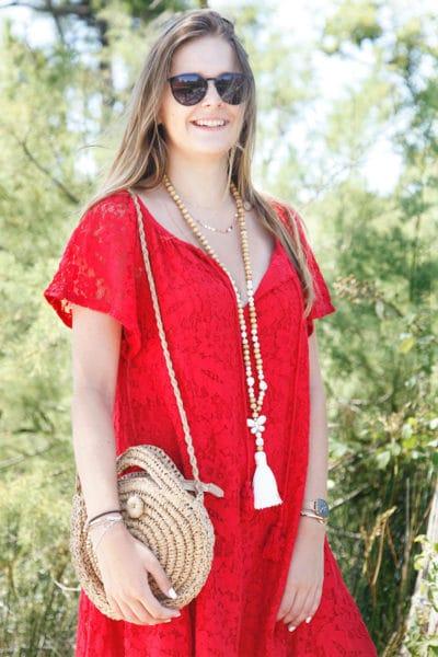 Robe-rouge-dentelle-manches-courtes-lacet-col-B36-2