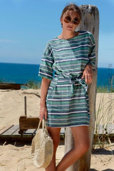 Robe-verte-rayures-horizontales-avec-lien-à-la-taille--b29