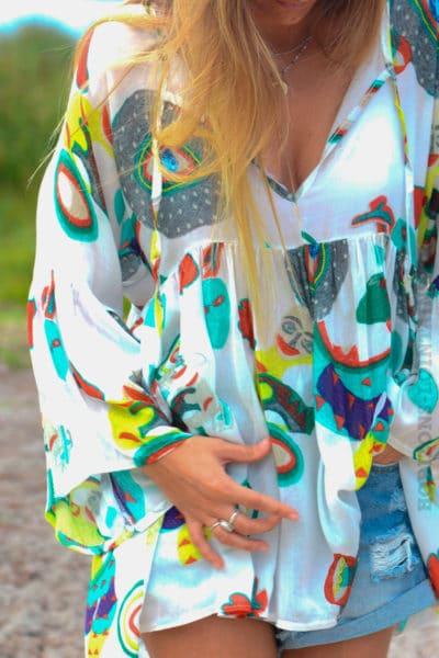 Tunique-blanche-fluide-motifs-colorés-b120-2