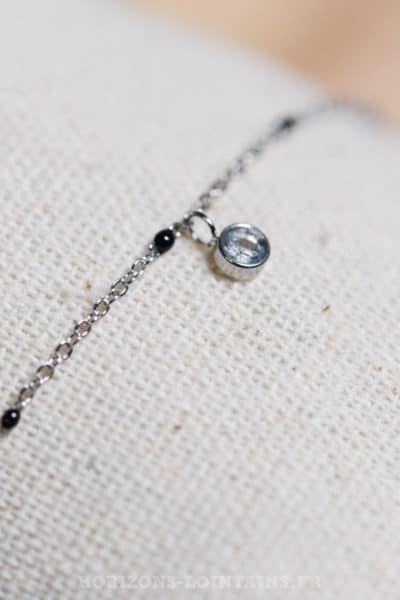 chaine-fine-perles-pendant-strass-noir--079.jpg