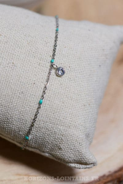 chaine-fine-perles-pendant-strass-turquoise--079