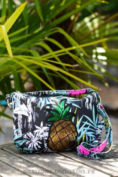 pochette-B024-toile-feuillage-fleur-ananas-noir