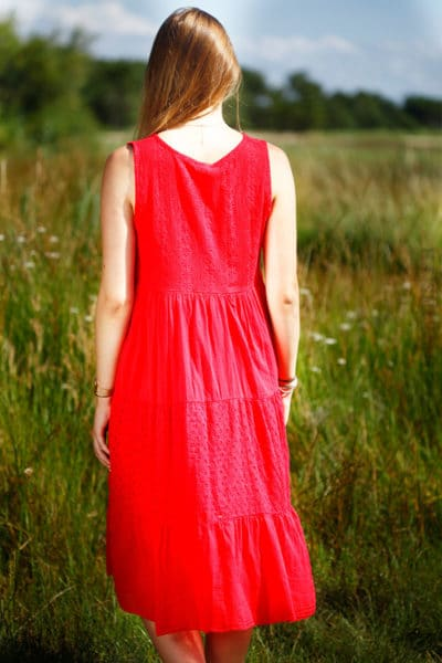 robe-rouge-maxi-décolleté-broderie-anglaise-B33-4