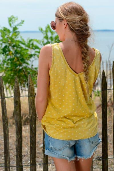 Débardeur-jaune-moutarde-petites-étoiles--b147