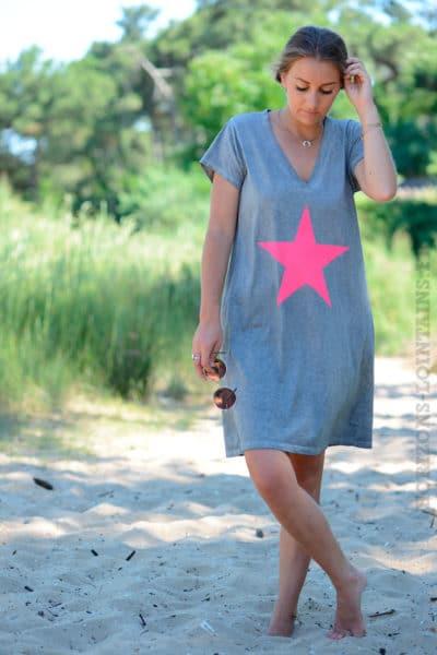 Robe-grise-façon-t-shirt-long-étoile-rose-b44