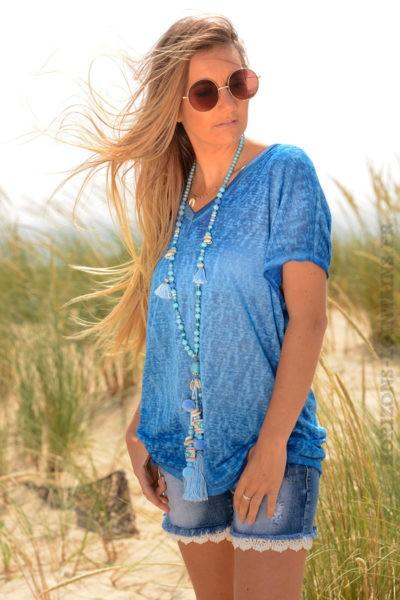 T-shirt-bleu-roi-fluide-col-V-brillant-devant-et-derriere--b155