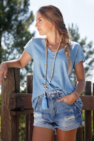 T-shirt-bleu-tete-de-buffle-argentée-dans-le-dos-B150-3