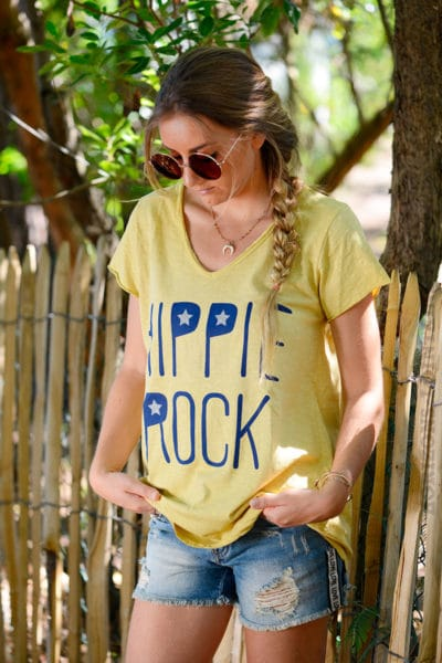 T-shirt-jaune-moutarde-message-hippie-rock-b146-2