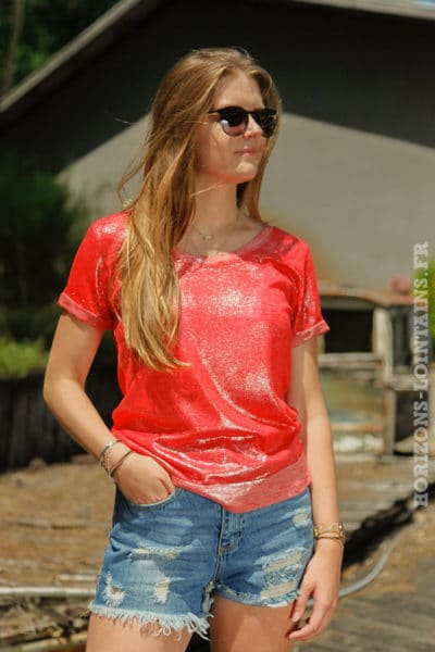 T-shirt-rouge-orangé-brillant-sur-le-devant-col-rond-4-B139