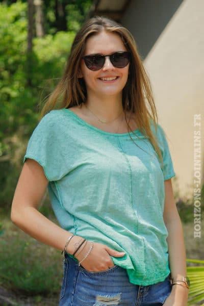 T-shirt-vert-en-lin-avec-coutures-exterieurs-1-TOP-B154