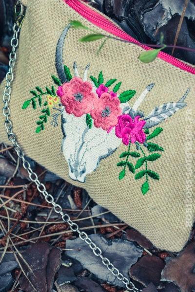pochette-B027-toile-de-jute-tete-de-buffle-fleurs-rose-
