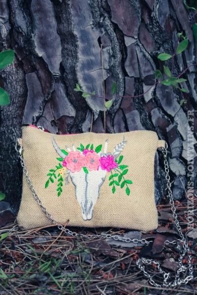 pochette-B027-toile-de-jute-tete-de-buffle-fleurs-rose
