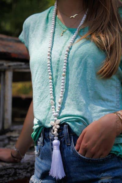 Collier-perles-bois-papillon-blanc-060-2