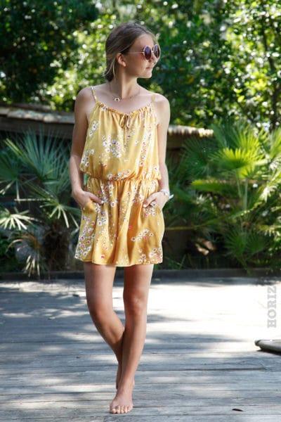 Combi-short-motif-fleuri-jaune-moutarde-b03