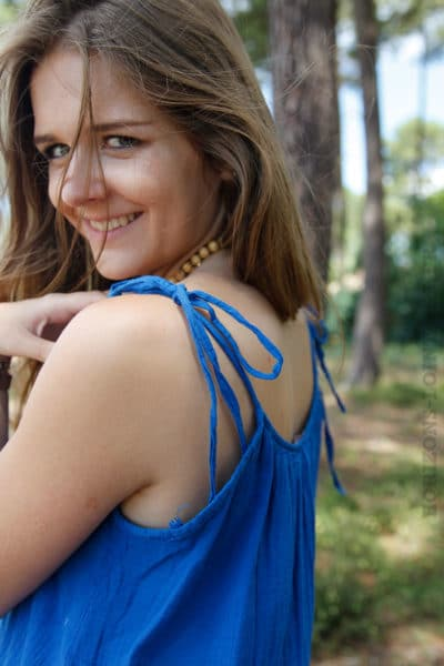 Robe-bleu-roi-mi-longue-bretelles-à-nouer--B68-4