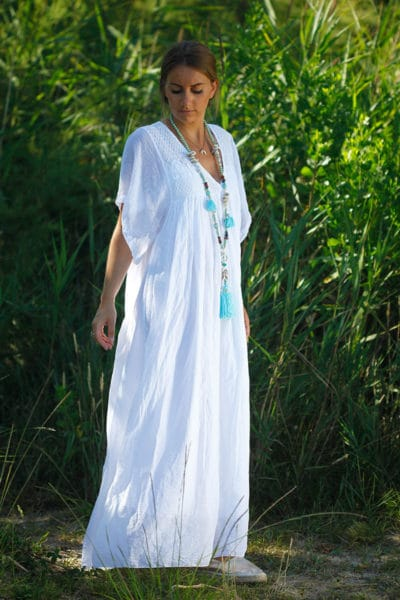 Robe-longue-blanc-bohème-col-V-dentelle-B65-2