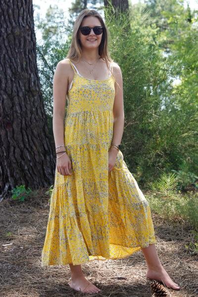 Robe-longue-effet-volant--jaune-petites-fleurs-grises-bretelles-b052