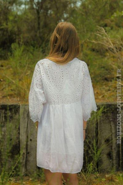 Tunique-robe-blanche-doublé-avec-col-V-et-broderie-anglaise-dos