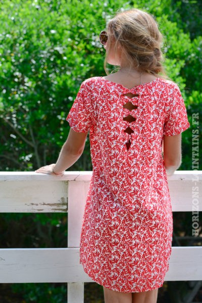 robe-B059-dos-ajoure-noeud-imprime-feuillage-rouge--
