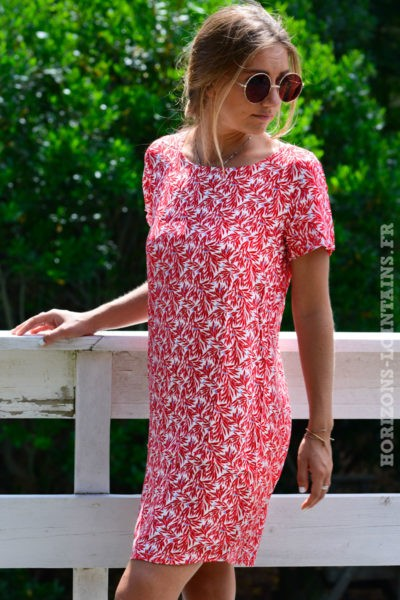 robe-B059-dos-ajoure-noeud-imprime-feuillage-rouge