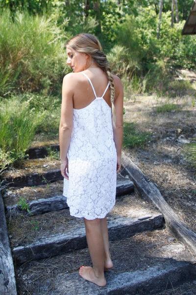 robe-blanche-courte-dos-nageur-b46-2