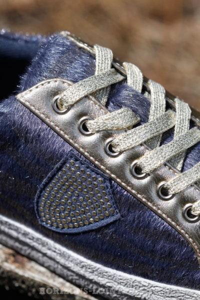 Baskets imprimé bleue revêtement poils zèbre lacet gold