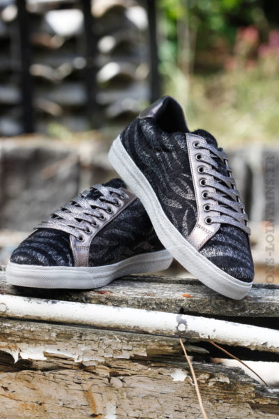 Baskets imprimé noires revêtement poils zèbre argenté fourrure