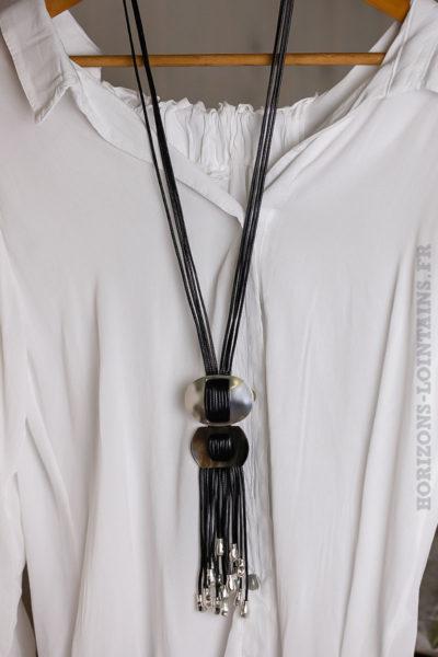 Collier noir boucle métal argentée nacre