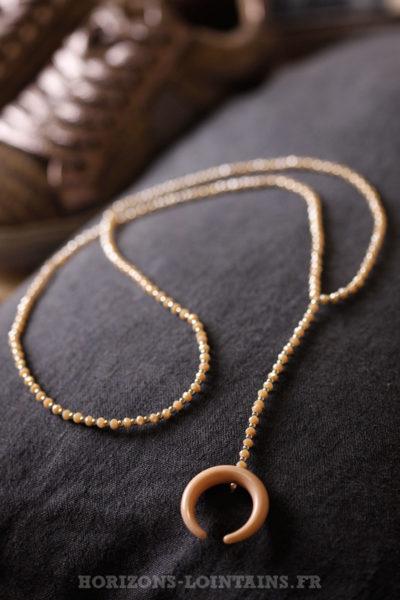 Collier petite perles fines facettes corne rose beige bijou