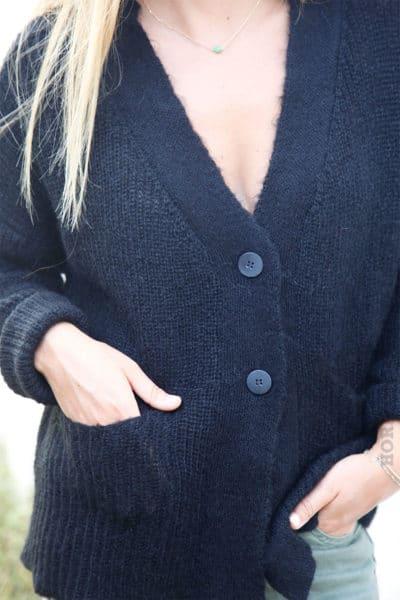 Gilet-noir-mailles-avec-poches--b12