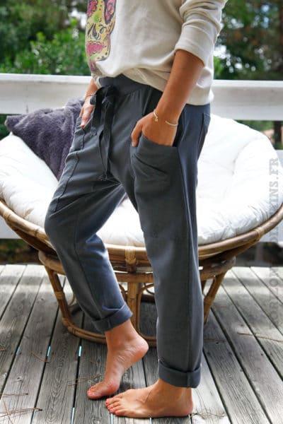 Pantalon-de-jogging-gris-foncé-urbain-à-poches-04-4