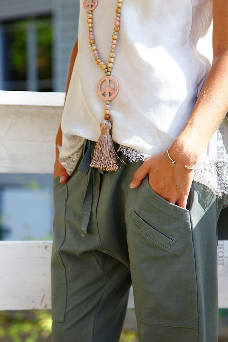 Pantalon-de-jogging-kaki-urbain-à-poches-04-8