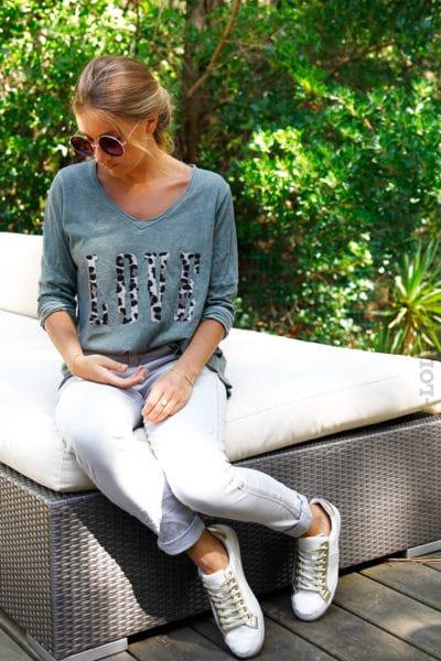 T-shirt-kaki-manches-longues-col-V-Love-lépoard-B190-3
