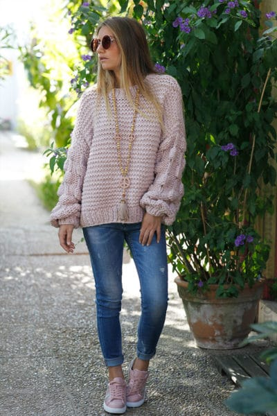 Pull-rose-grosses-mailles-manches-boules-B200
