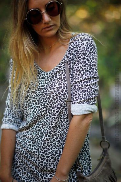 Top-jersey-manches-longues-imprimé-léopard-fond-écru-B201