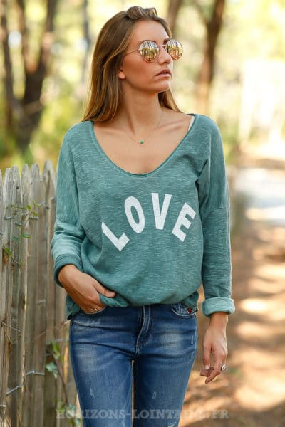 Top loose vert foncé tshirt message LOVE blanc look moderne B206