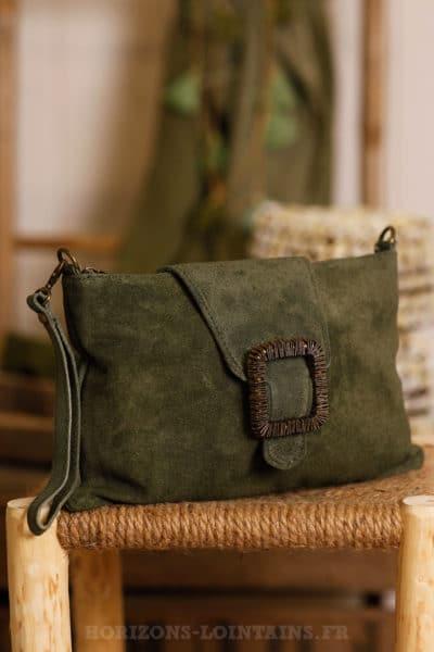 pochette kaki croûte cuir sac vert avec boucle couleur cuivre dorée B045