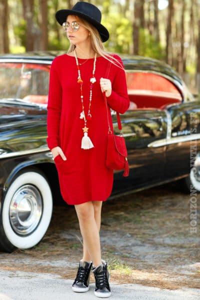 robe pull rouge avec poches mailles détail matière B073