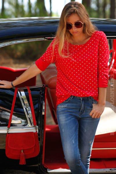 tee shirt manches longues rouge motifs petites étoiles blanches B202
