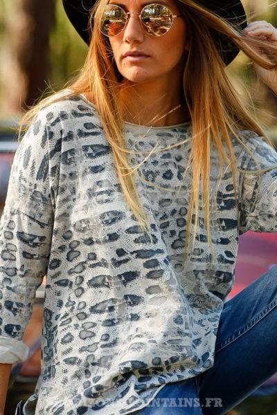 tee shirt col rond beige imprimé serpent top B210