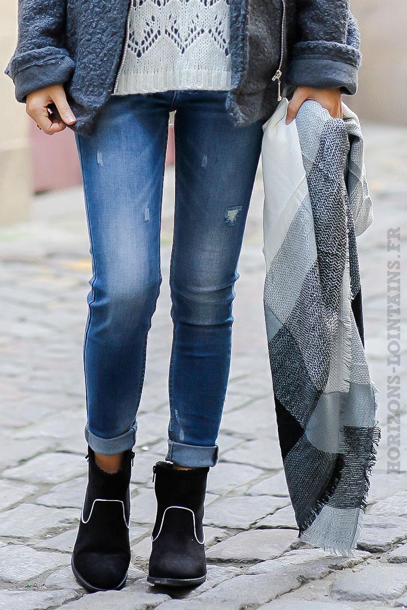 5e1023847bb écharpe douce hiver carreaux noire écrue grise foulard femme