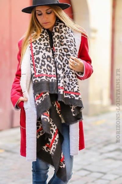 écharpe extra douce imprimé léopard beige noir liseré rouge femme look urbain tendance