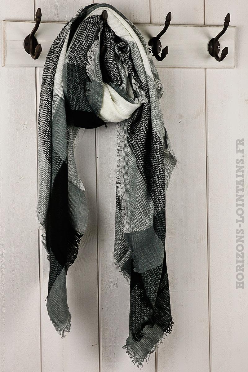 a2a029278d94 écharpe douce hiver carreaux noirs écrus gris foulard femme